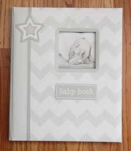 Pearhead L'il Peach Baby Memory Book ~ Gray & White Chevron ~ baby book ~
